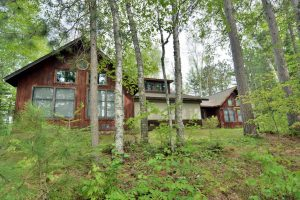 Vacation Home Amp Cabin Rental In Peaceful Lakefront